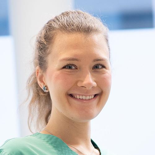 Spezialistin Dr. Josephine Tietje